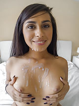Erected Nipples, Eva Saldana